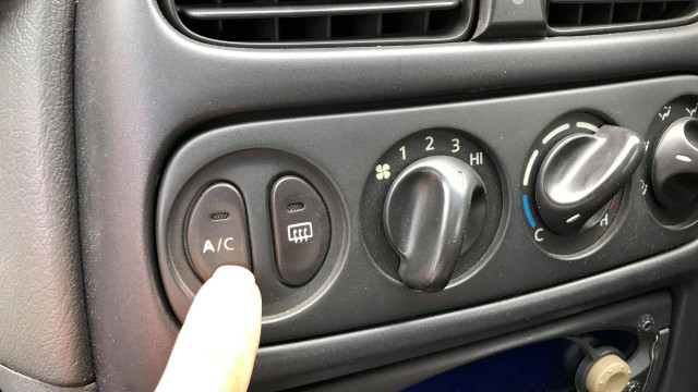 Learn to maintain your own car Airconditioning system